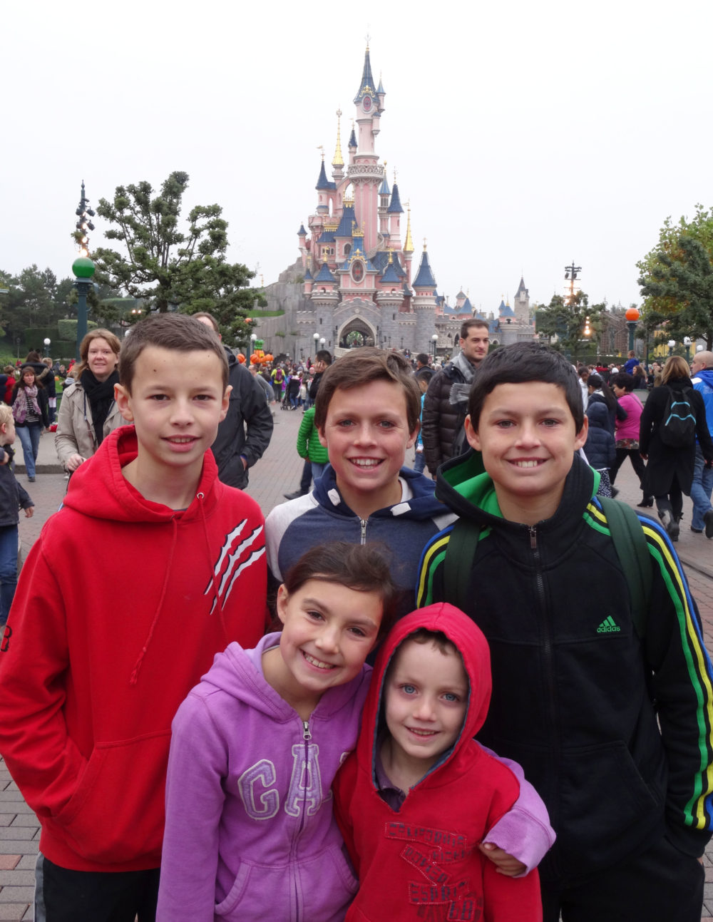 children outside Disneyland Paris